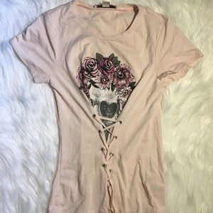 Baby pink lace up skull tee